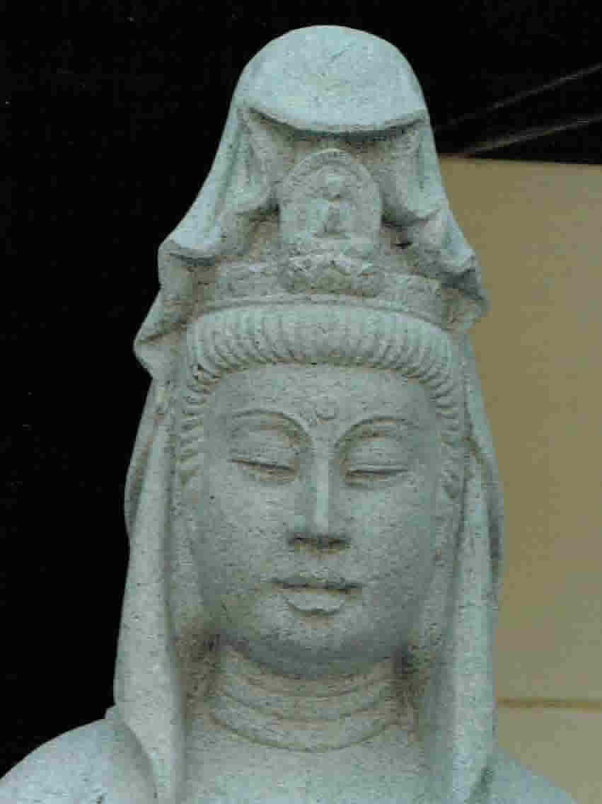 old-stone-sculpture050