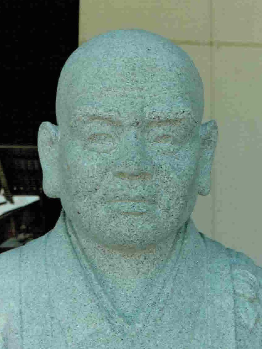 old-stone-sculpture058