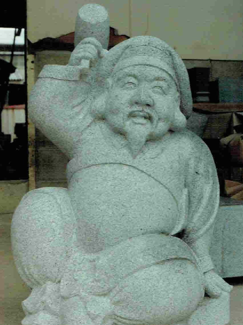 old-stone-sculpture082