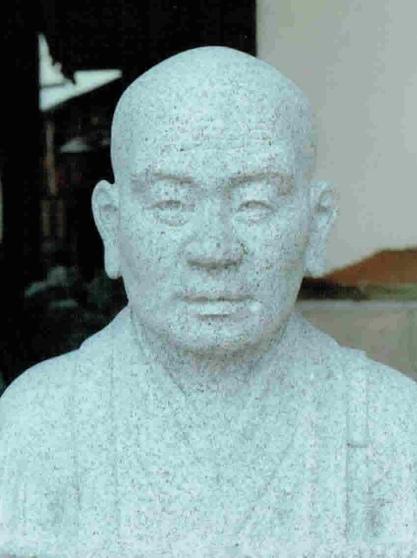 old-stone-sculpture093